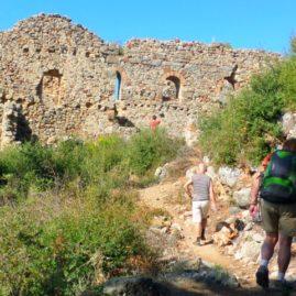 syedra-castle-hiking